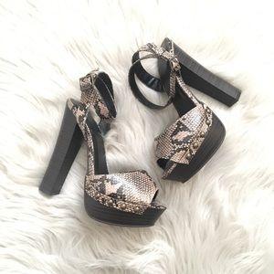 🌷Wild Diva Platform Heels